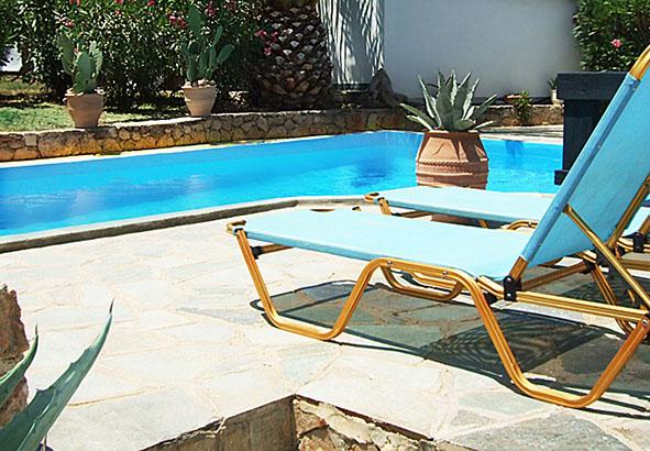 02.pool.jpg