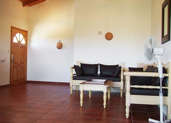 04.lounge.jpg