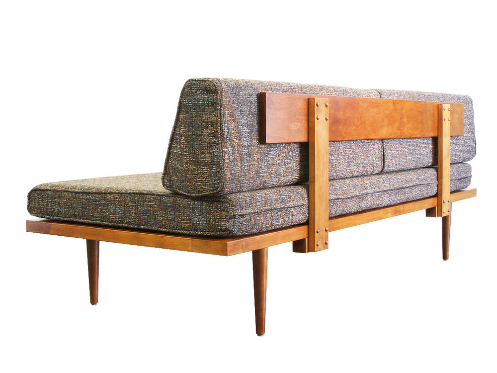 Classic daybed sofa casara modern for Classic mid century chairs