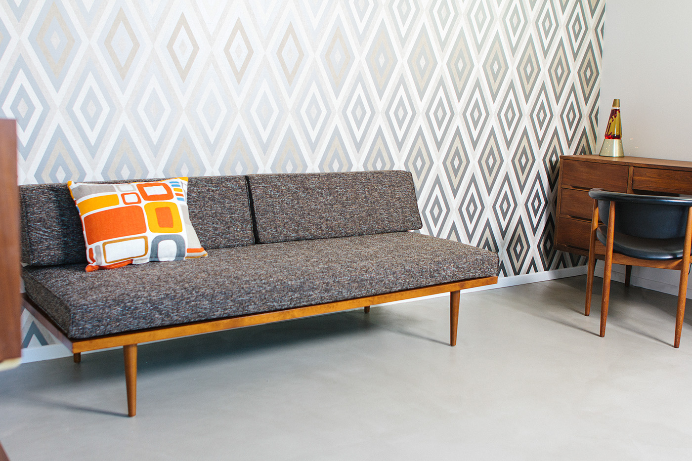 Phenomenal The Classic Daybed Casara Modern Alphanode Cool Chair Designs And Ideas Alphanodeonline