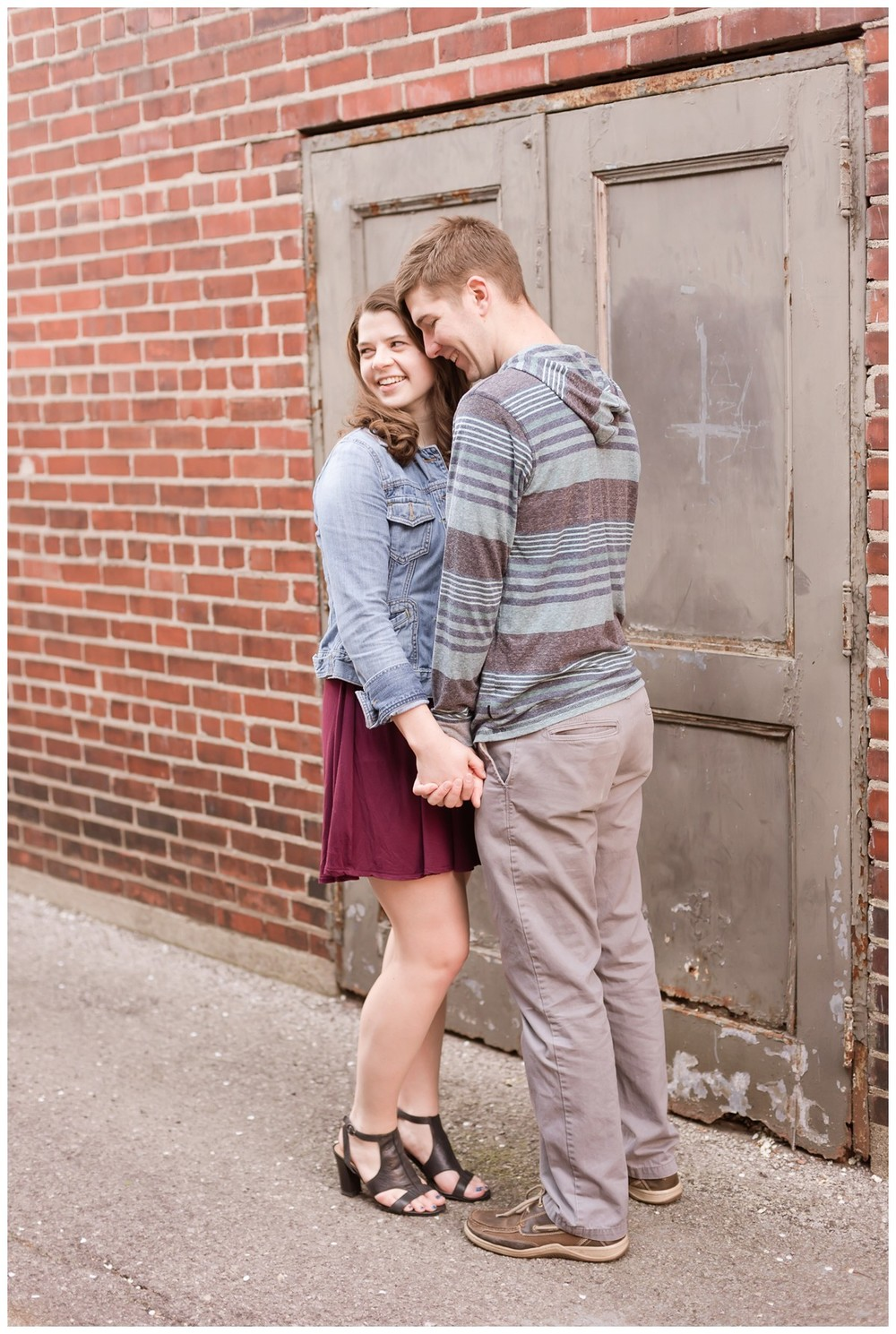 Brandon & Michaela Downtown Columbus Engagement Session9.jpg