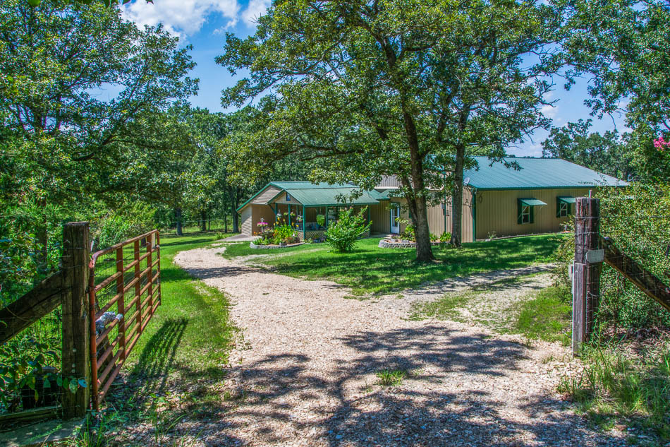 Ozark County Missouri country home on acreage