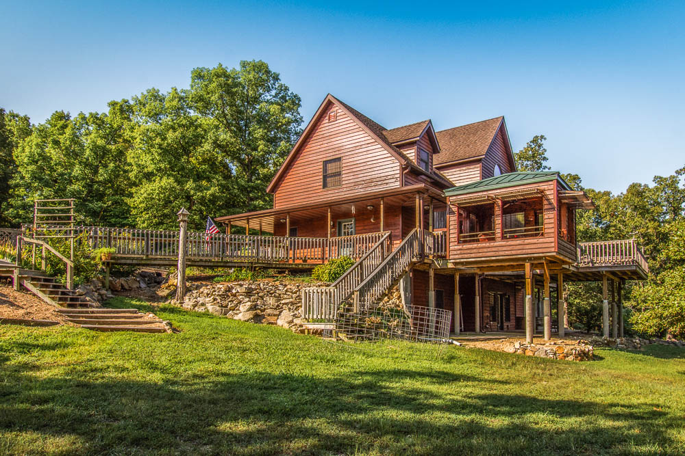 The ultimate lake home on Bull Shoals Lake