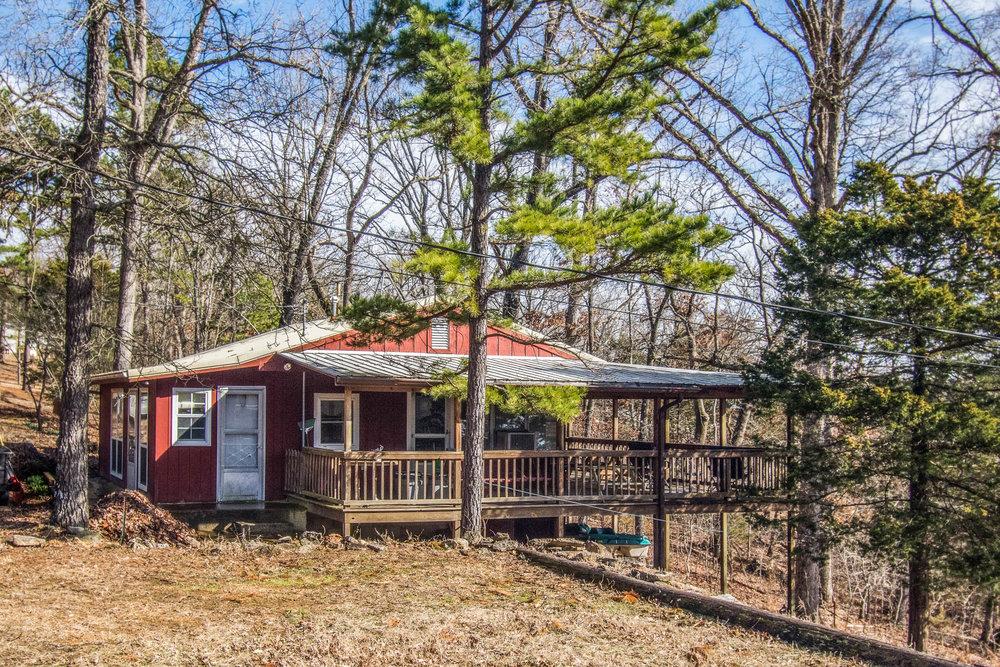 Bull Shoals Lake Cabin in Pontiac, Missouri, $69,000