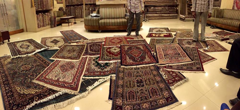 So many rugs!