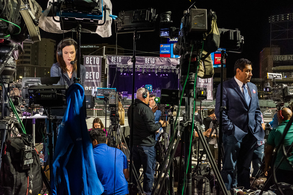 Media during election night for Beto O'Rourke, El Paso, Texas, 2018. On assignment for New Yorker Magazine.
