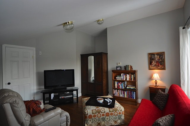Upstairs TV and Wii room