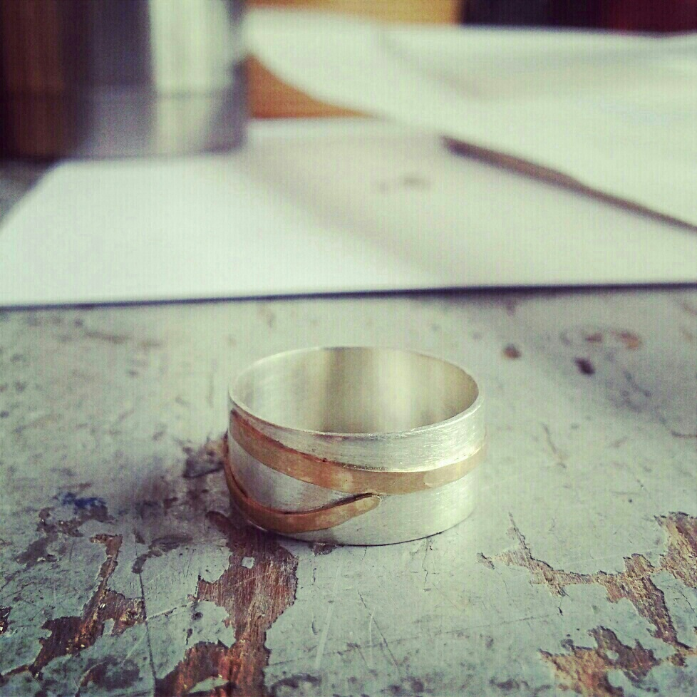 GOLD DETAILED BAND