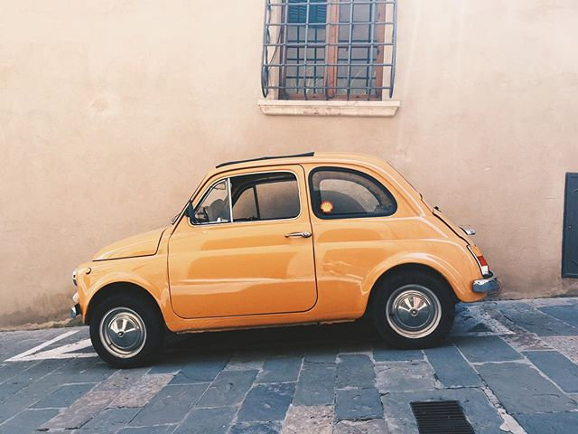 🚗💨 Tiny cars for narrow streets! #vintagefiat