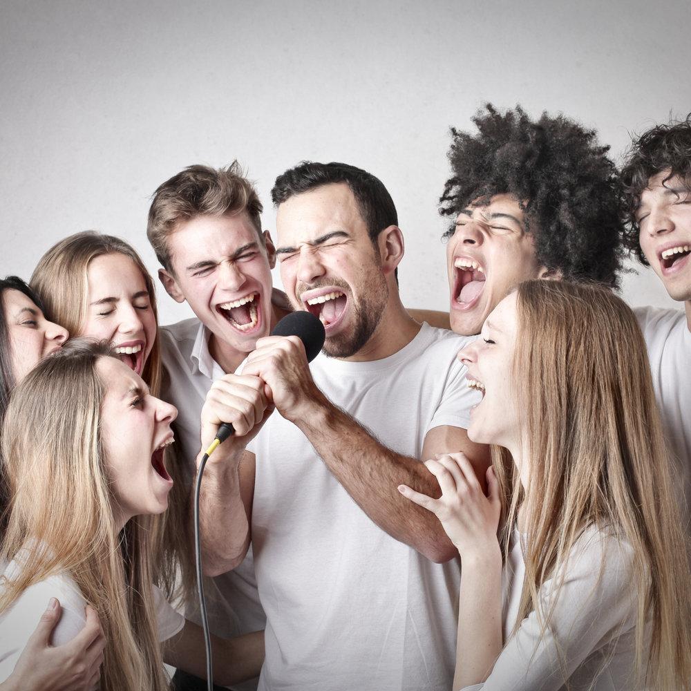 Kurs & seminarer - Skreddersys for kor, teaterlag og yrkesgrupper som bruker stemmen mye til hverdags! Lær øvelser som teknikker som:- Forbedrer pust, støtte og intonasjon- Gir økt bevissthet rundt vokalplassering- Åpner for flere uttrykksmuligheter i stemmen- Utvider stemmeomfanget- Forebygger spenninger og heshet- Muliggjør mer kraft i stemmen- Optimaliserer kroppens muskelkoordinasjon