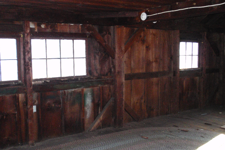 The second floor of the barn shows no signs of ever having been finished. It has straight-sawn timbers, suggesting it was built before the widespread introduction of the circular saw in the 1850s.
