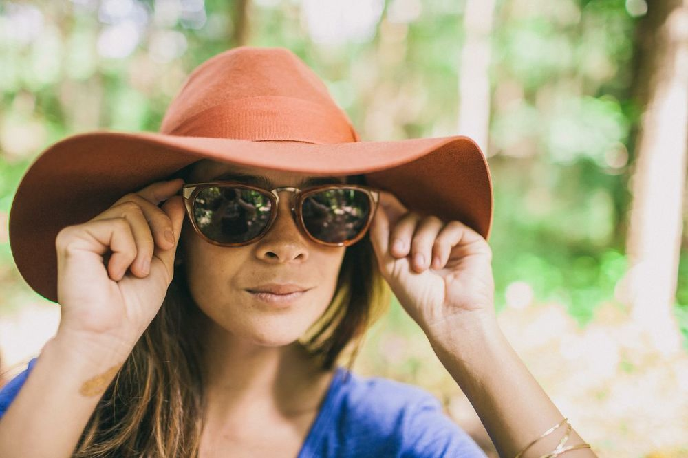 Raen Sunglasses: Asper Bengal Tortoise   Brixton Piper Hat