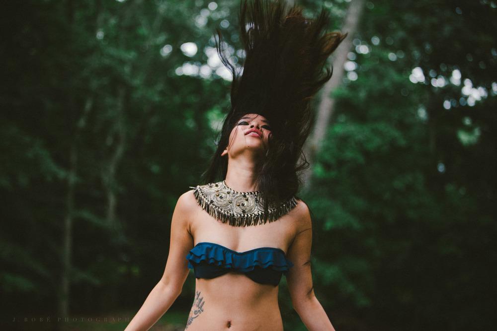 fiona.hairflip.bikini-1.jpg