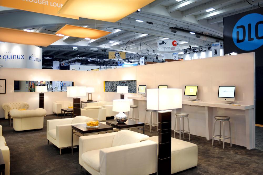 The-Blogger-Lounge-interior-1_med.jpg