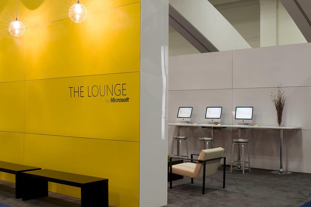 lounge1_0239_med.jpg