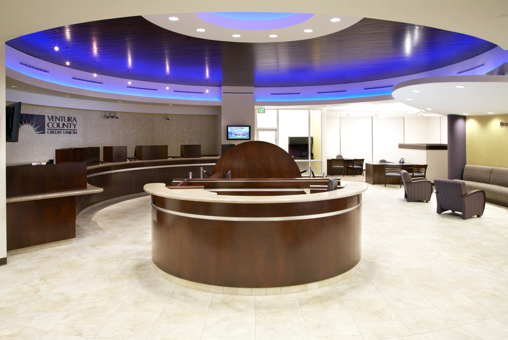 Custom Reception Desks | Custom Store Fixtures