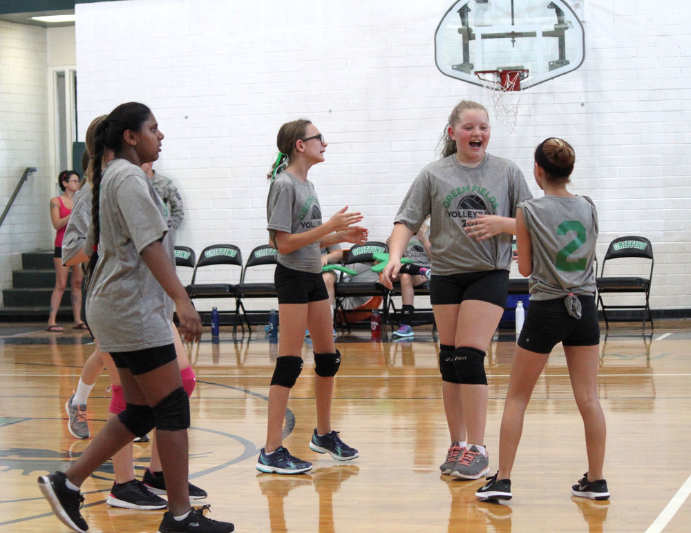 girls-vball-huddle_web.jpg