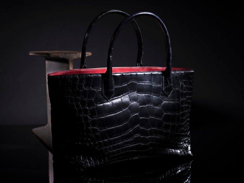 MadisonShopper-Alligator-Black-Home copy.jpg