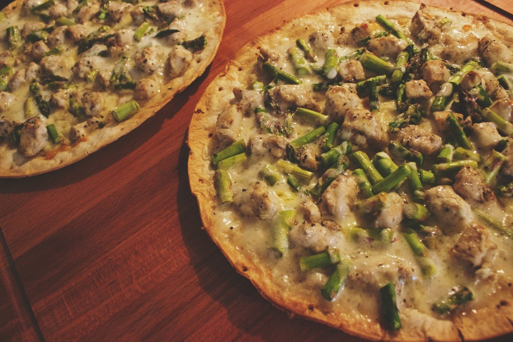 Chicken & Asparagus Ranch Thin Crust Pizza
