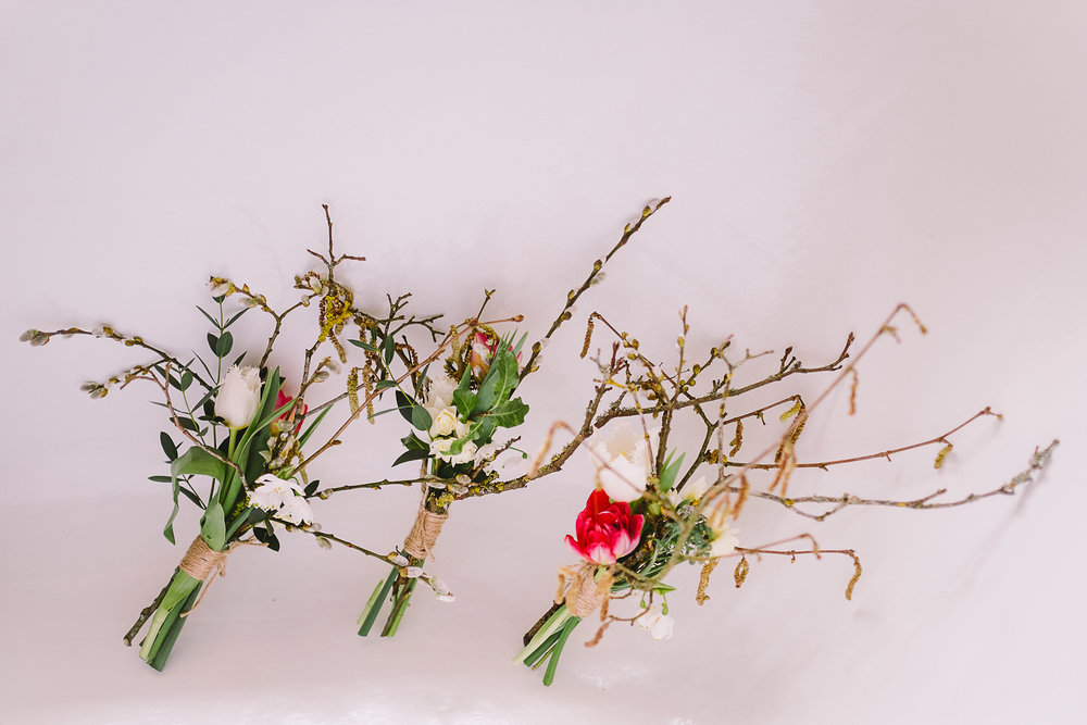 Twig bridesmaids bouquets