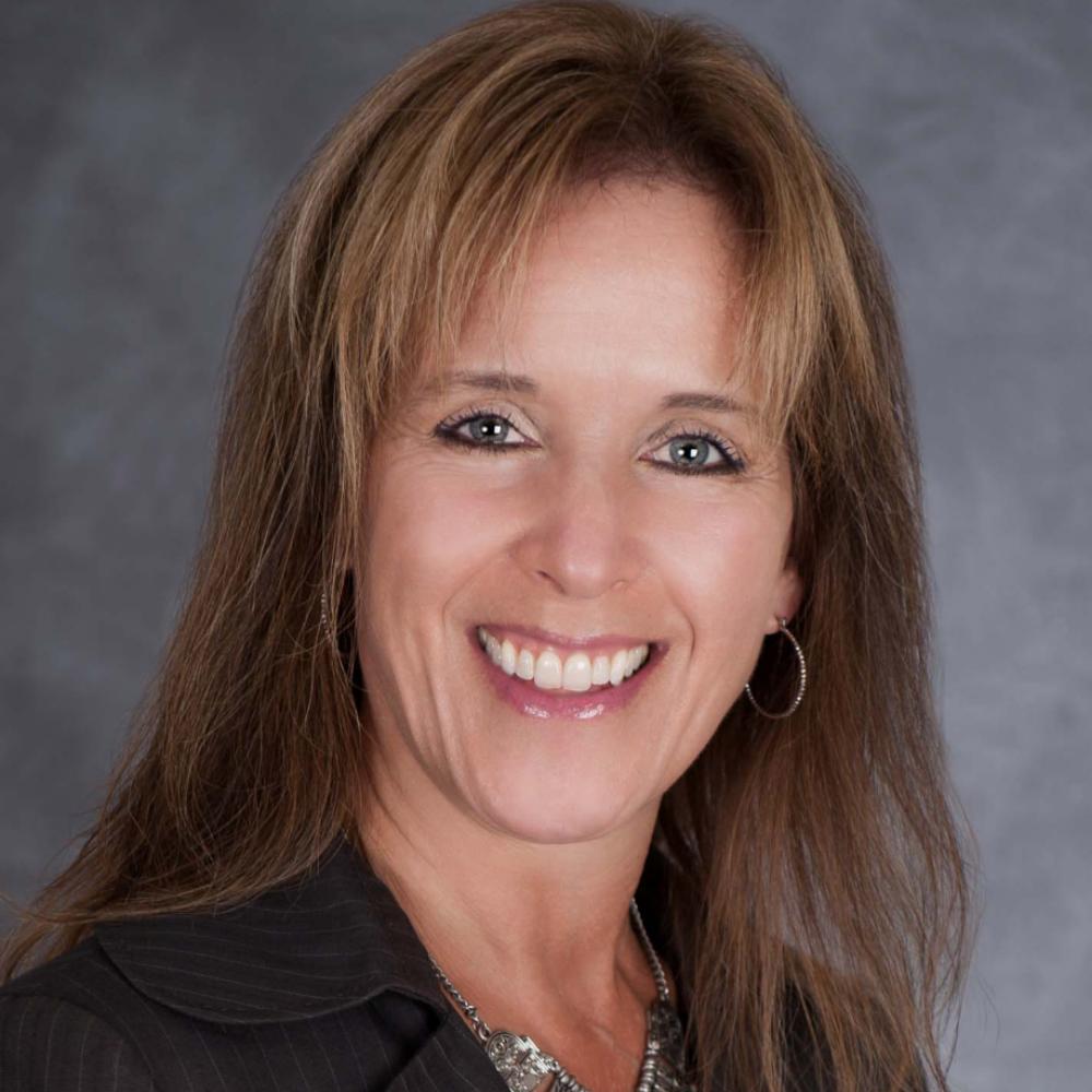 Linda Miklas, Senior Consultant