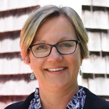 Gillian Simkiss , Senior Consultant