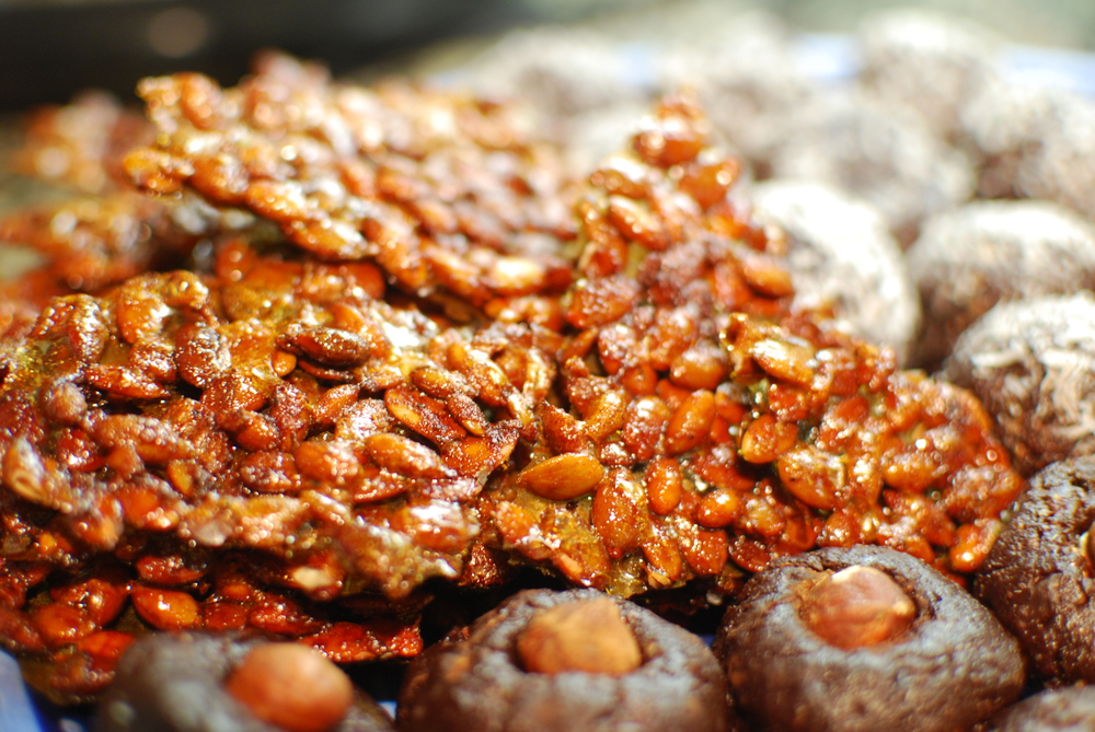 Sweet & Spicy Pumpkin Seed Crisps, Raw Brownie Bites 2 Ways, Paleo Cookie Dough Protein Balls, and Gluten Free Coconut Macaroons 3