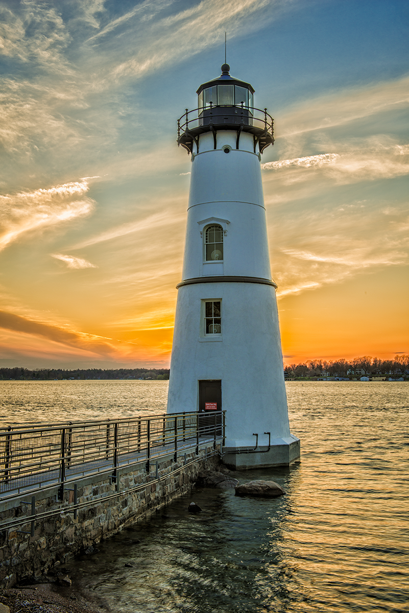 Rock-Island-Lighthouse-7156.png