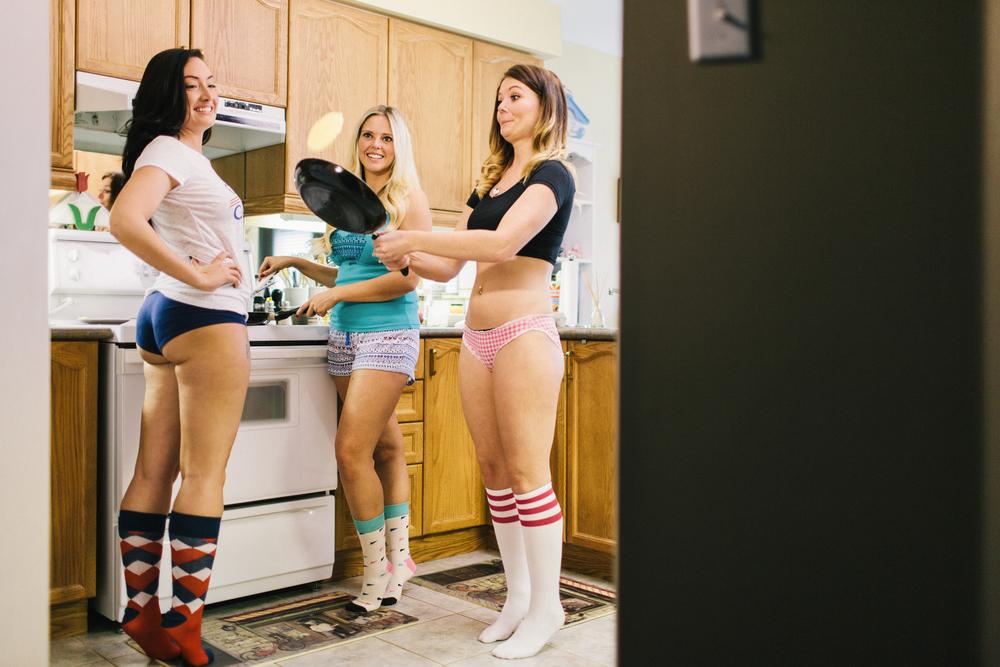 Roommates-010.jpg