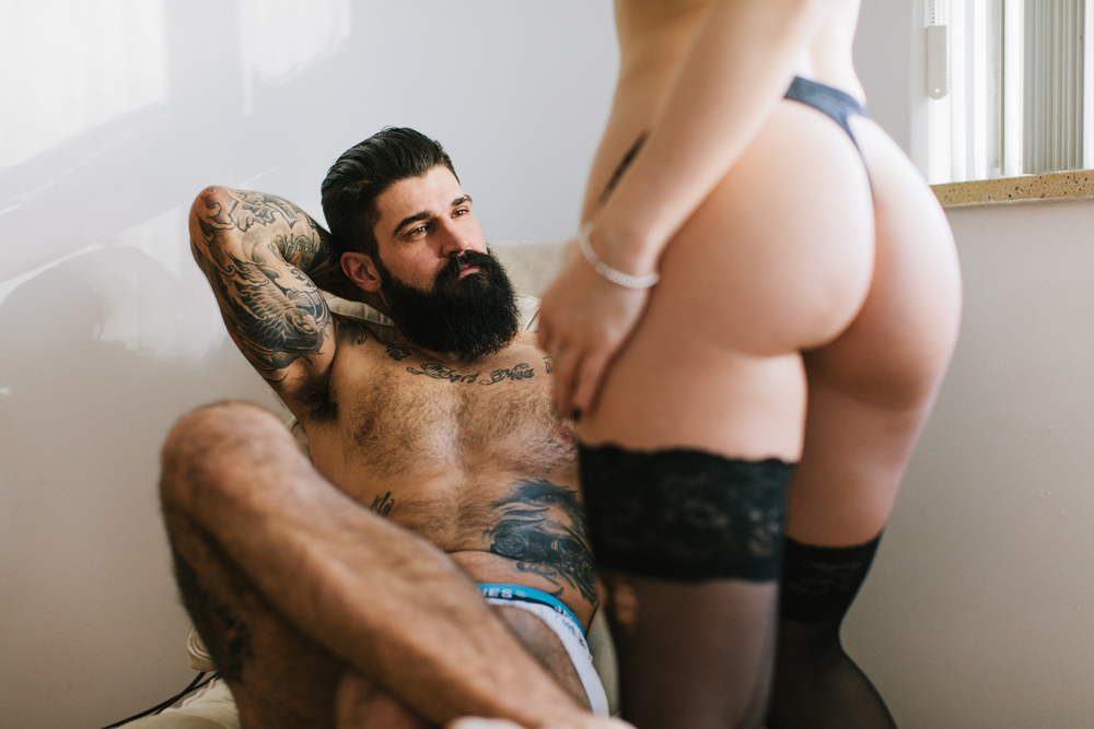 Socksandasmile-couples-boudoir-toronto-michael-rousseau-kristin-dalziel-jerry-melo-apt808029.jpg