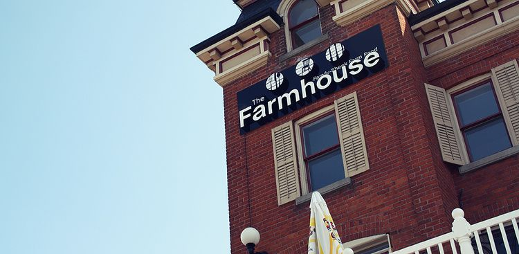 "The Farmhouse   We were talking about Randy's hugely successful restaurants ""Oscars"" and ""Pie"" and we asked him if he had any new ideas. We had to be part of the branding for his next masterpiece.   View Case Study"