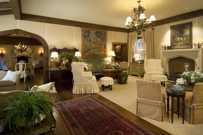 1595-0005 living room.jpg