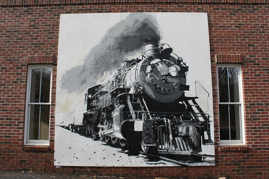 train-mural-dustin-spagnola-1.jpg