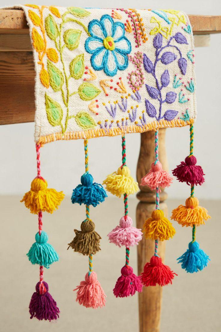 Tassel Stitch Table Runner.jpg