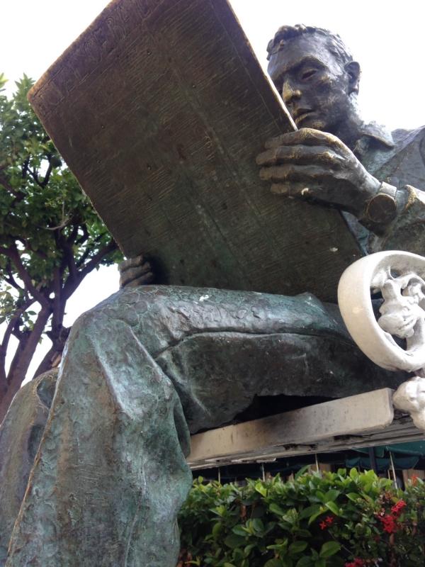 Monumento a Don Enrique Ceballos.