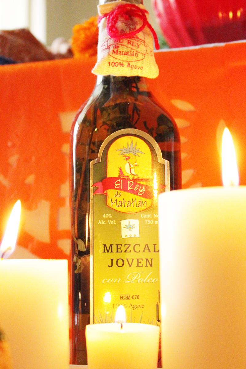 Altar de Muertos_Mezcal