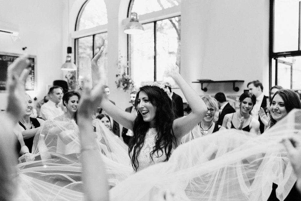 Toronto Wedding Photographer (140).jpg