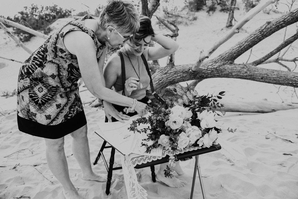 Agnes Wywrot Northern Wildflower Photographer (7 of 15).jpg