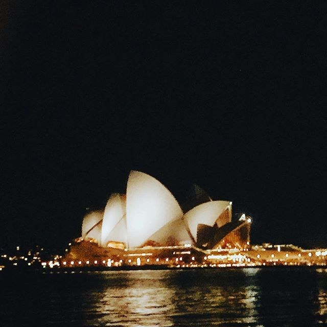 When you go to the Sydney Opera House at night and all you have to show for it is a blurry pic! 🙃😑 so stunning to see in person though 😍 can't wait to come back and explore more of this amazing city soon!