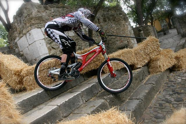 20090523_Greg Minnaar_Lisboa DH-1.jpg