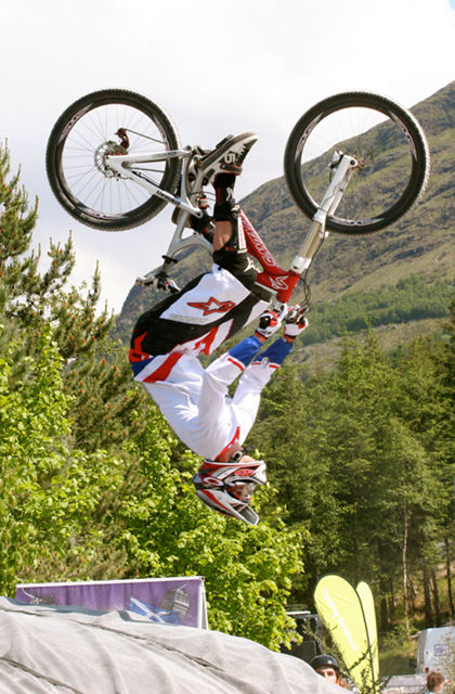 20100606_Greg Minnaar_Fort William World Cup DH-3.jpg