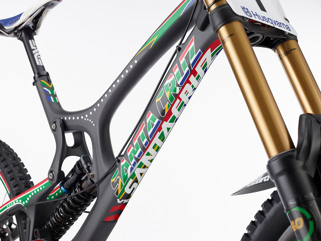 20131217_SCB_Greg Minnaar_V10_Decals_Frame.jpg