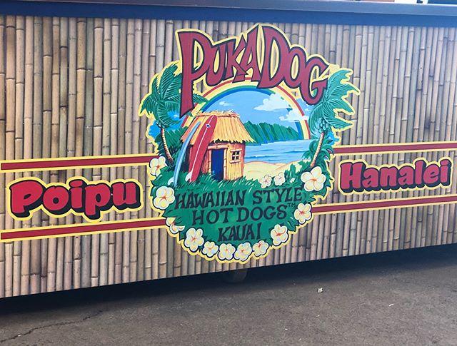 #kauai #pukadog #poipu #poipushoppingvillage #food #kauaifood #kauaicuisine #yummy #kidsloveit  puka dog mmmm
