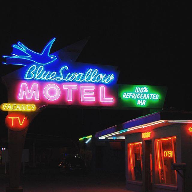 #route66 #mainhighway #motheroad #cozycone #cars #blueswallowmotel #tucumcari #roadtrip #neon #vintage @disneyland @donwisesj