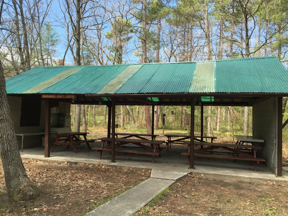 Burr Lodge Shelter and Bird feeding Area