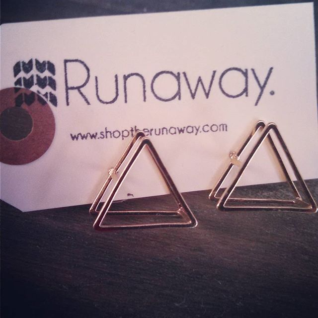 Feeling geometrically inspired with these 3D gold triangle posts #earringbling #itsallabouttheaccessories #earrings #studs