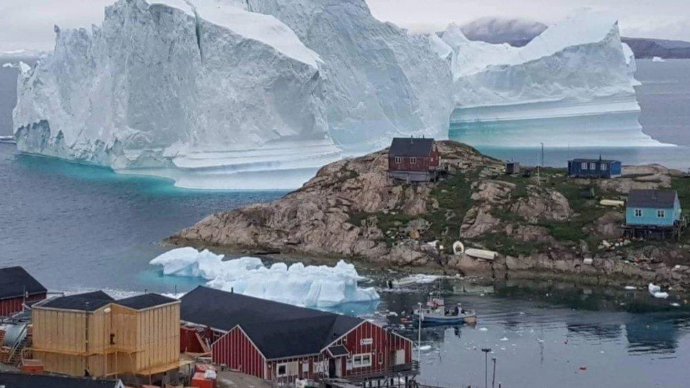 Iceberg:GreenlandTown.jpg