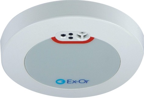 Energy saving via daylight/presence detection