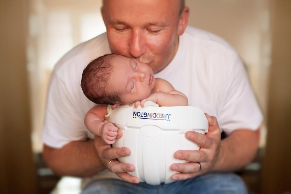 Surrey newborn photographer ann wo