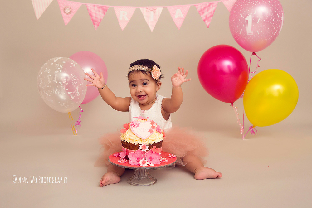 cake-smash-ria-london-baby-photographer05.jpg